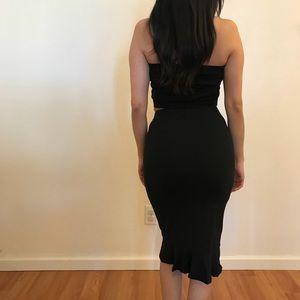 Dresses & Skirts - 🆕 Penelope Black Ruffle Midi Skirt